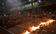 Protesto contra o governo interino Michel Temer em São Paulo é marcado por confronto entre manifestantes e policiais militares Foto: Nelson Almeida / AFP / 29-8-2016