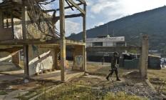 Soldados patrulham áreas em Cauca, alvos frequentes de ataques da guerrilha Foto: LUIS ROBAYO / AFP