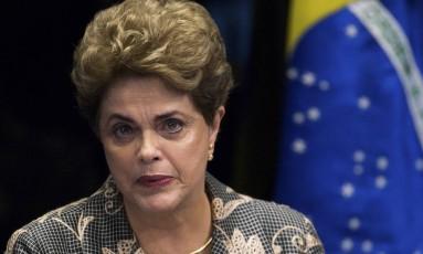 A presidenta afastada, Dilma Rousseff, faz sua defesa durante sessão de julgamento do impeachment no Senado Foto: Marcelo Camargo/Agência Brasil
