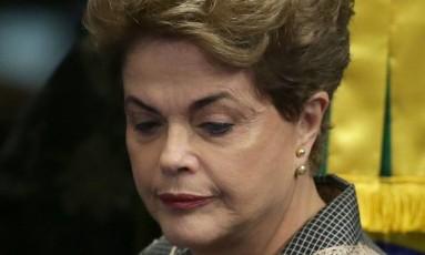 A presidente afastada Dilma Rousseff no Senado Foto: Eraldo Peres / AP