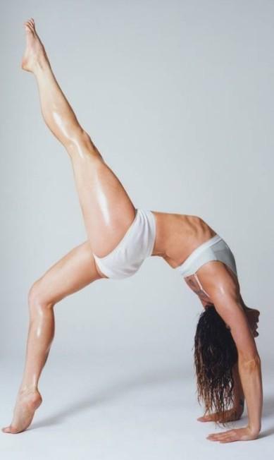 """Melanie C, que faz sucesso nas redes sociais com sua rotina de treinos, mostrou por que tinha o apelido de """"esportista"""" Divulgação / Love Magazine"""