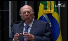 O advogado de acusação Miguel Reale Júnior fala aos senadores Foto: Reprodução