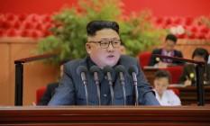 O líder norte-coreano Kim Jong Un discursa no 9º Congresso da Liga da Juventude Socialista de Kim Il Sun. Foto: KCNA / REUTERS