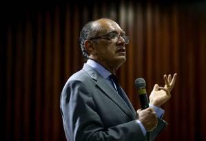 O ministro Gilmar Mendes, em aula aberta no Instituto Brasiliense de Direito Público Foto: Pedro Kirilos / Agência O Globo