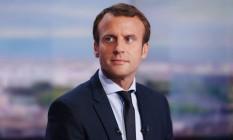 No dia da sua renúncia, Emmanuel Macron participa de programa em canal de televisão na França Foto: MATTHIEU ALEXANDRE / AFP