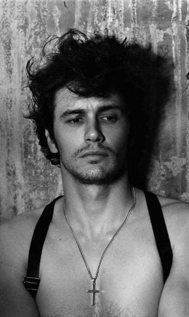 Os homens também têm vez: James Franco, 2012 Mariano Vivanco/ Portraits Nudes Flowers