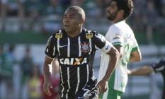 Elias se desentendeu com torcedores do Corinthians este ano Foto: Daniel Augusto Jr. / () © Jr., Daniel Augusto