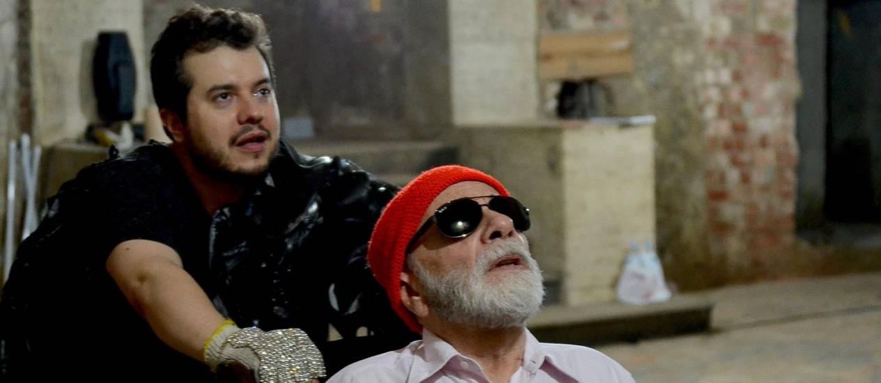 Elcio Nogueira Seixas e Renato Borghi interpretam personagens sem perspectiva de futuro Foto: Walter Clemente / Divulgação