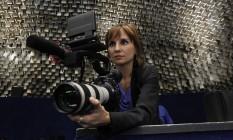"""Petra Costa em ação no Senado. """"Meu trabalho é sério"""", diz cineasta Foto: Givaldo Barbosa"""