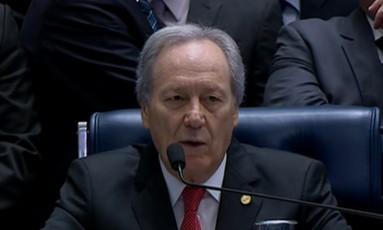 O presidente do STF, ministro Ricardo Lewandowski, abre a sessão no plenário do Senado Foto: Reprodução