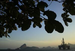 Plataforma da Petrobras na baía de Guanabara Foto: Dado Galdieri / Bloomberg
