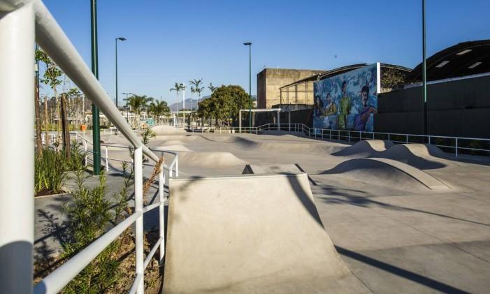 A pista de skate básico foi projetada para o uso de iniciantes no esporte Foto: Barbara Lopes / Agência O Globo