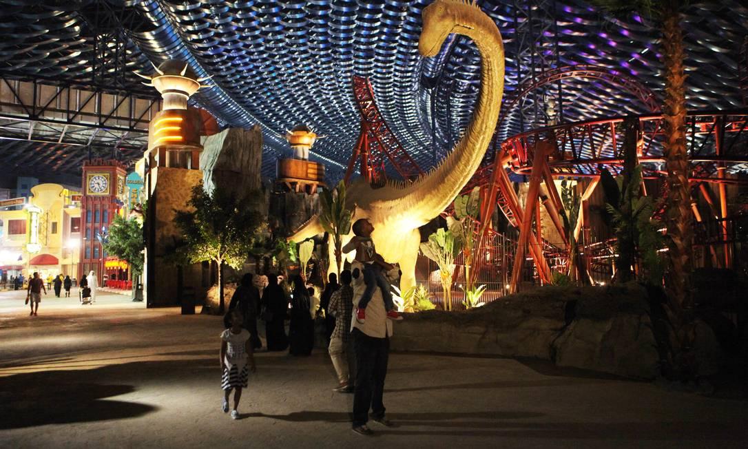 O parque, de 140 mil metros quadrados, é dividido em quatro áreas, sendo uma voltada para a Marvel e outra para o Cartoon Network Jon Gambrell / AP