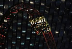 Uma das atrações do parque é a montanha-russa do Demolidor, super-herói da Marvel Foto: Jon Gambrell / AP