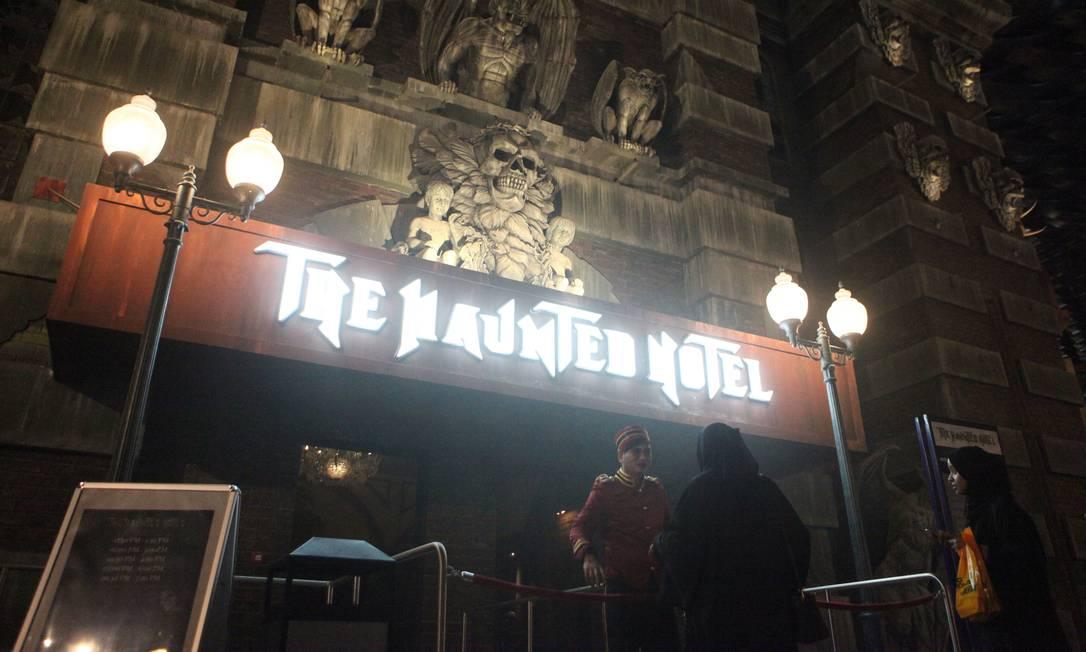 Para os apaixonados por terror, o 'Hotel assombrado' é uma das atrações que ocupa uma das quatro áreas do parque Jon Gambrell / AP