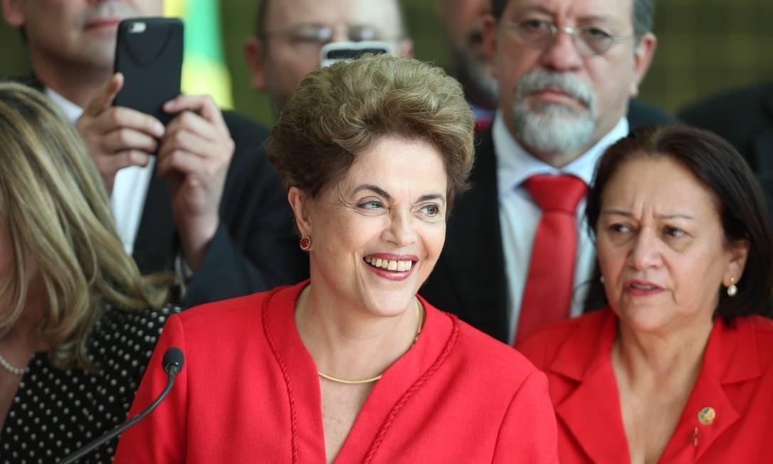Com o fim do discurso de Dilma, manifestantes contra o impeachment anunciaram atos para o próximo dia 07. Foto: ANDRE COELHO / Agência O Globo
