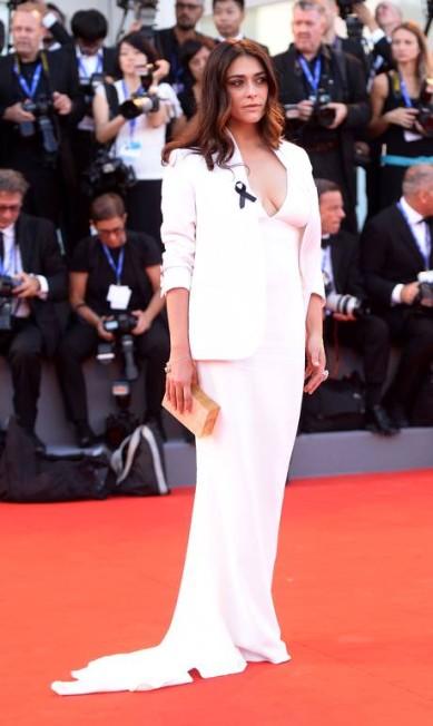 A atriz italiana Valentina Lodovini: decote em foco FILIPPO MONTEFORTE / AFP
