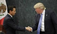 Presidente mexicano, Enrique Peña Nieto, e republicano Donald Trump se encontram na Cidade do México Foto: HENRY ROMERO / REUTERS