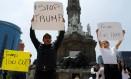 Manifestantes protestam contra visita de Donald Trump ao México na capital do país Foto: TOMAS BRAVO / REUTERS