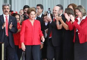 Dilma chega para fazer declaração após a Senado aprovar o impechment Foto: André Coelho / Agência O Globo
