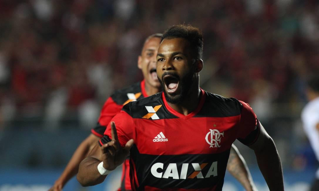 Fernandinho comemora o terceiro gol do Flamengo Gilvan de Souza