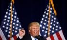 Trump prometeu linha-dura contra imigração ilegal, fazendo críticas constantes a Hillary Clinton Foto: CARLO ALLEGRI / REUTERS