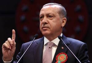 Presidente turco, Recep Tayyip Erdogan, fala durante reunião de juízes e advogados em Ancara Foto: Yasin Bulbul / AP