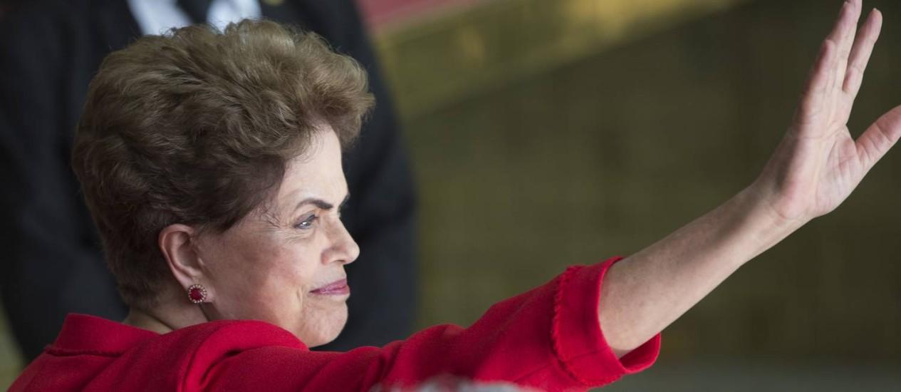 Dilma Rousseff foi afastada definitivamente pelo Senado nesta quarta-feira, mas manteve seus direitos políticos Foto: Leo Correa / AP