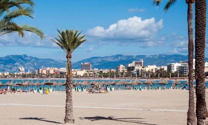 Playa de Palma, em Palma de Mallorca, na Espanha Foto: NaLha / Getty Images/iStockphoto/Booking.com/Divulgação