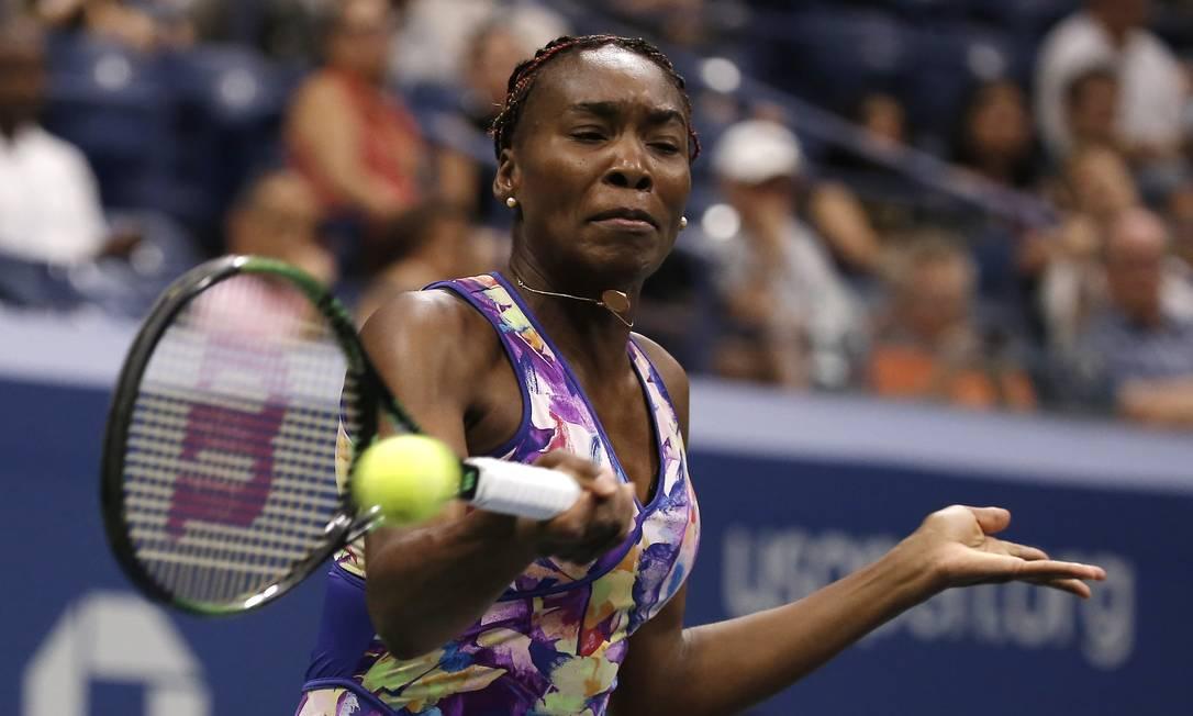 Bicampeã, Venus Williams também está na terceira rodada em Nova York Andres Kudacki / AP