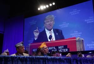 Trump faz discurso a veteranos: magnata voltou atrás em versão 'light' e assumiu discurso agressivo Foto: Evan Vucci / Evan Vucci/AP