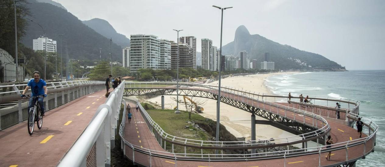 Percurso entre a Barra e São Conrado foi aberto neste sábado Foto: Hermes de Paula / Agência O Globo