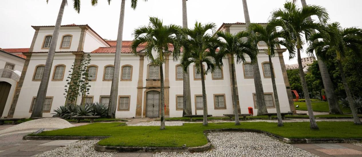 Museu Histórico Nacional: com a ajuda do tato e da audição, o público visita exposição Foto: Pablo Jacob / Agência O Globo