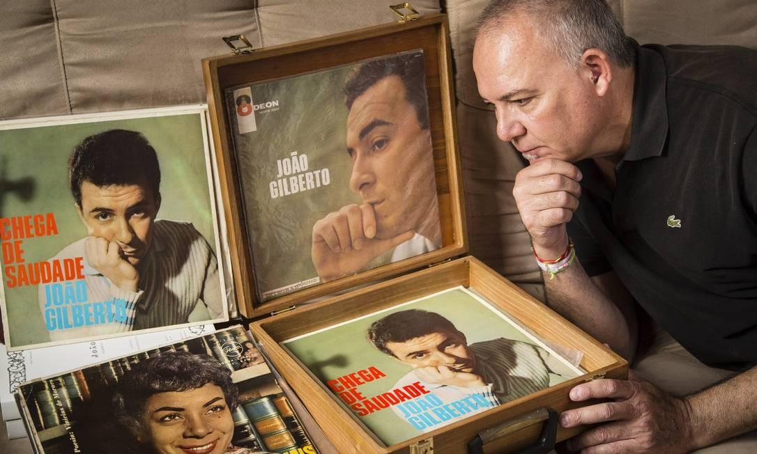 Carlos Anglada é reconhecido como um dos mais astutos garimpeiros de discos de 78 e 45 rpm de João Gilberto no Brasil Foto: / Fernando Lemos