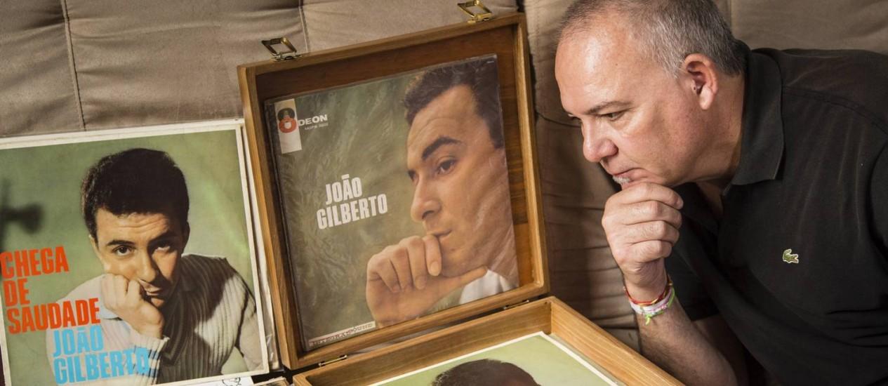 Carlos Anglada é reconhecido como um dos mais astutos garimpeiros de discos de 78 e 45 rpm de João Gilberto no Brasil Foto: Fernando Lemos