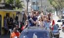 Candidato a prefeito do Rio, Marcelo Crivella, do PRB, faz carreata em Campo Grande Foto: Domingos Peixoto