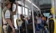 Passageiros dentro do VLT