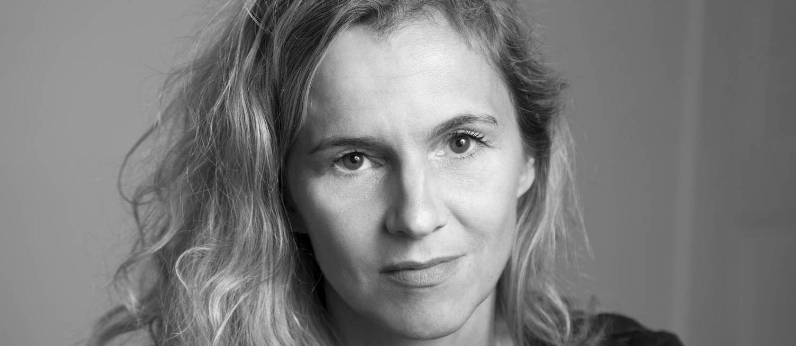 SC A escritora francesa Delphine de Vigan, autora de