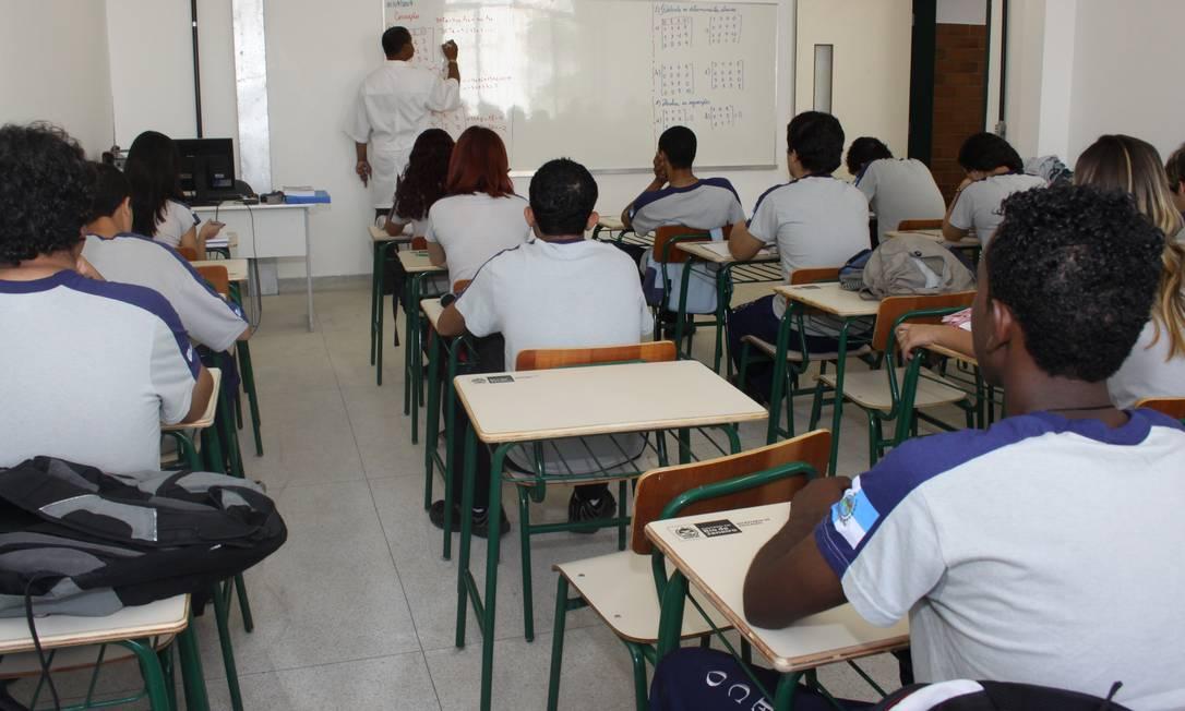Relatório aponta que no ritmo atual, a universalização do ensino médio na América Latina e Caribe só será cumprida em 2095, 65 anos de atraso em relação ao prazo estipulado, 2030 Foto: Arquivo