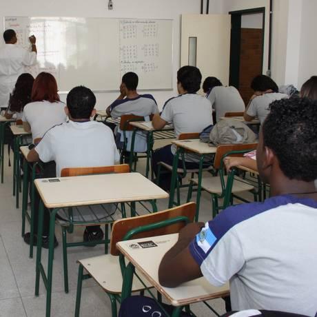 Relatório aponta que no ritmo atual, a universalização do ensino médio na América Latina e Caribe só será cumprida em 2095, 65 anos de atraso em relação ao prazo estipulado, 2030 Foto: Marcia Costa / Arquivo
