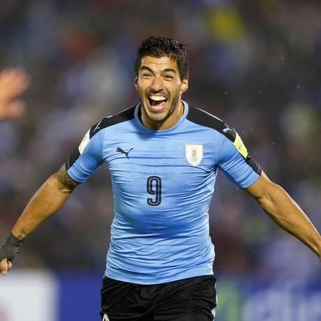 O Uruguai de Luis Suarez goleou o Paraguai por 4 a 0 em Montevidéu Foto: ANDRES STAPFF / REUTERS