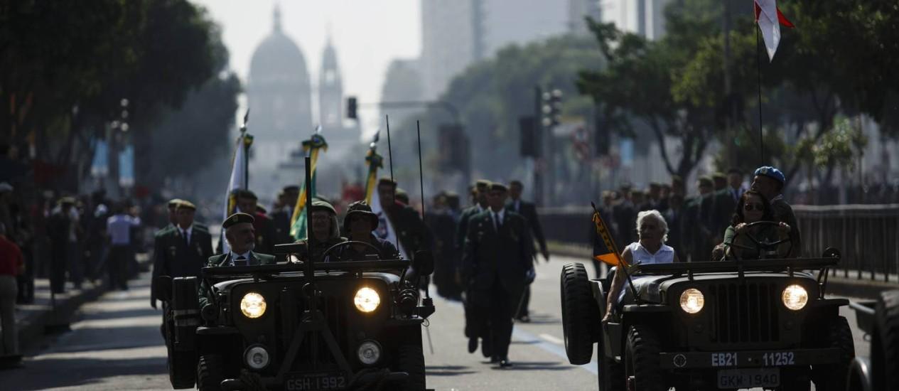 Desfile de 7 de Setembro na Avenida Presidente Vargas Foto: Fernando Lemos / Agência O Globo