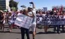 Feministas foram às ruas contra Cunha, Temer e a secretária das Mulheres, Fátima Pelaes Foto: Agência O Globo / Renata Mariz