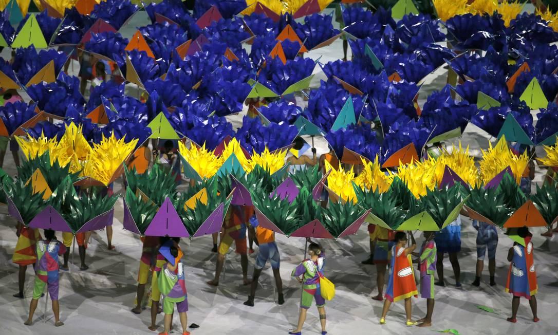 Dançarinos se apresentam na festa de abertura dos Jogos Paralímpicos Silvia Izquierdo / AP