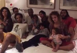 Gilberto Gil e família após nova alta do músico Foto: Reprodução/Instagram