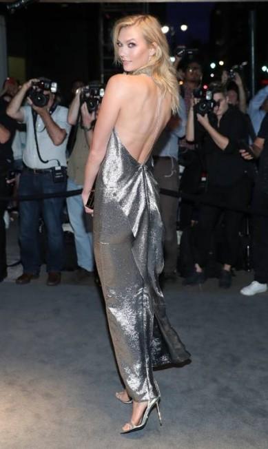 A supermodelo Karlie Kloss trocou a passarela pela fila A Neilson Barnard / AFP