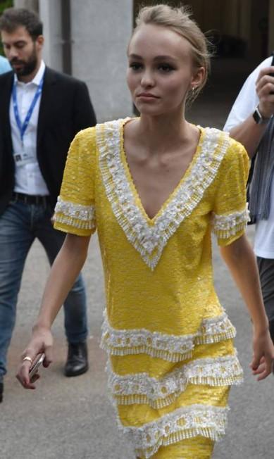 Lily-Rose, no entanto, chamou atenção pela magreza excessiva TIZIANA FABI / AFP