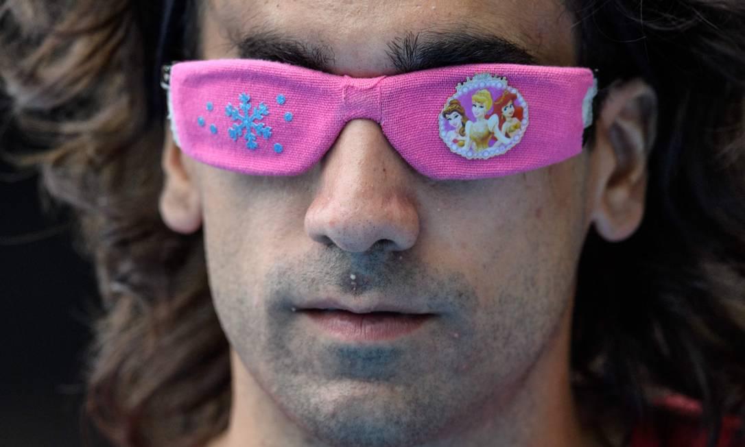 O espanhol Martin Parejo Maza caprichou na produção do óculos YASUYOSHI CHIBA / AFP