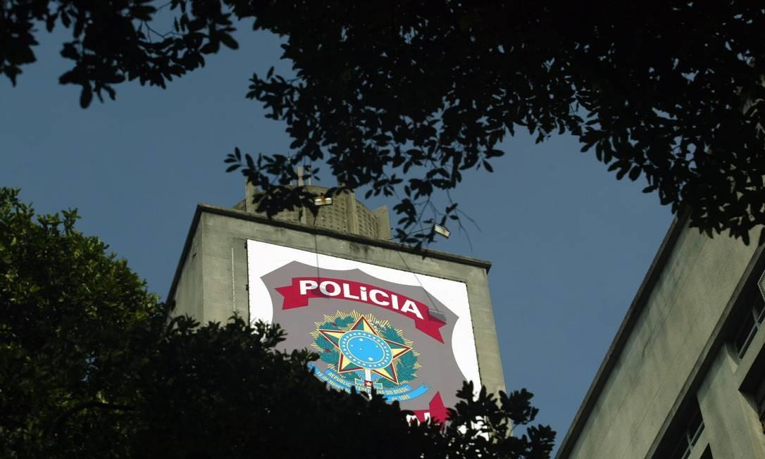Torre do prédio da Polícia Federal no Centro do Rio Foto: Arquivo / Marizilda Cruppe / Agência O Globo