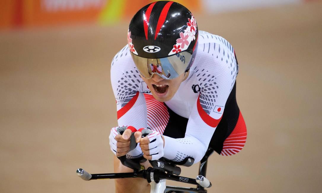 O japonês Shota Kawamoto na perseguição individual no velódromo, 3.000, classe C2, para amputados THOMAS LOVELOCK FOR OIS/IOC / AFP